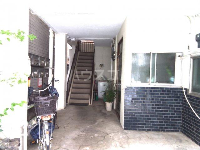 櫻井マンション 303号室のエントランス