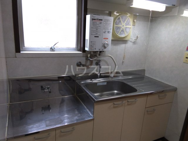 櫻井マンション 303号室のキッチン