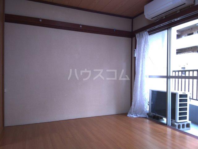 櫻井マンション 303号室のリビング