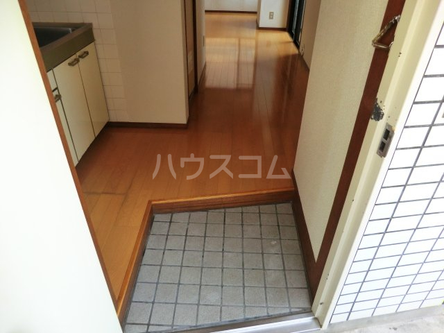 T・Oビル55 201号室の玄関