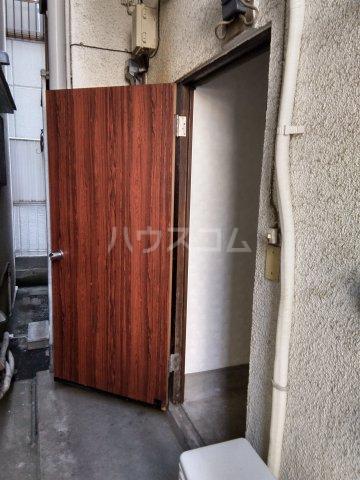 みと荘 202号室の玄関