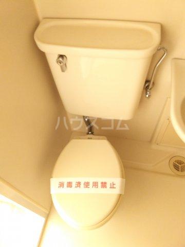 ホワイトハウス優 103号室のトイレ
