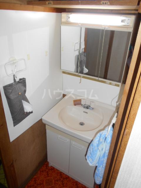 宝角アパート 204号室の洗面所