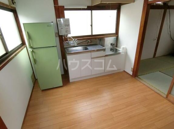 晴美荘 2号室のキッチン