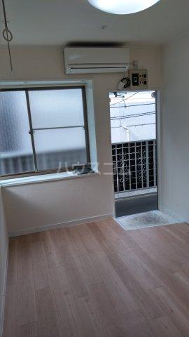 アムール駒込 205号室の居室