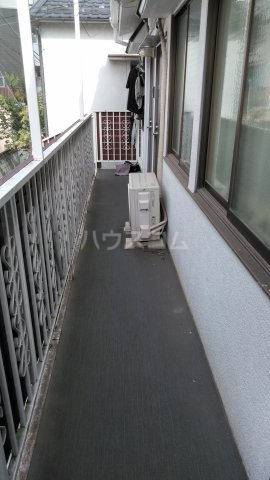 アムール駒込 205号室のバルコニー