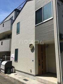 志村三丁目シェアハウス 205号室の玄関
