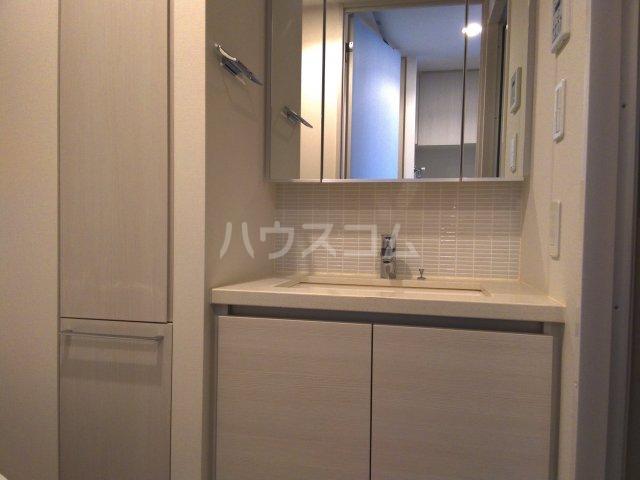 ザ・パークハビオ巣鴨 908号室の洗面所