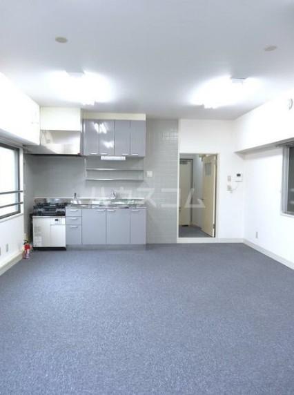 寿康ハイム 3-H号室の居室
