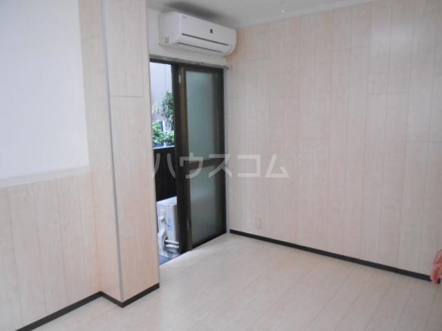 サンブライト福寿 101号室の居室