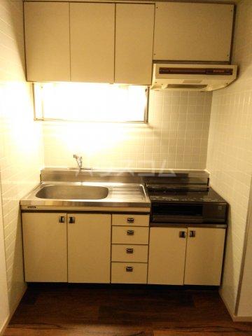ライオンズステーションプラザ大塚 7F号室のキッチン