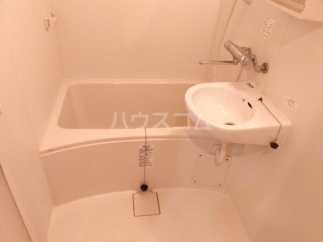 ライオンズステーションプラザ大塚 7F号室の風呂