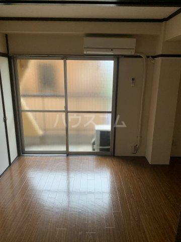 池田マンション 301号室のエントランス