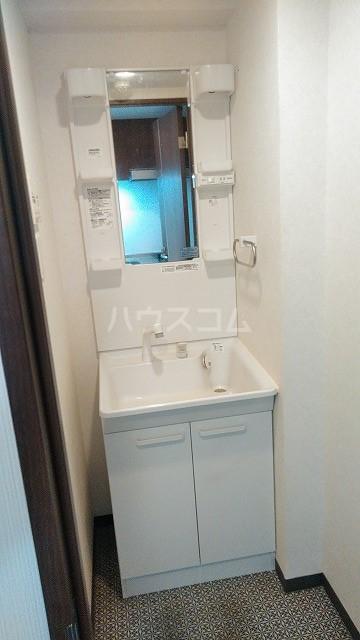 プリンセスライン池袋 603号室の洗面所