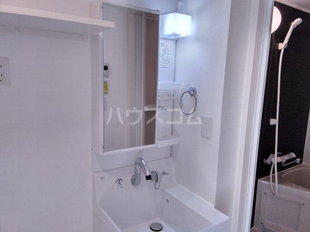 赤羽terrace 203号室の洗面所