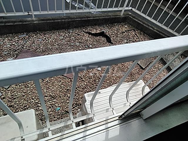 プラザ検見川 B棟 106号室のバルコニー