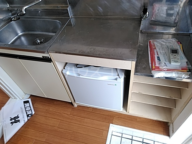 プラザ検見川 B棟 106号室のキッチン