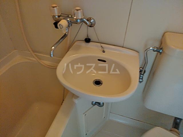プラザ検見川 B棟 106号室の洗面所