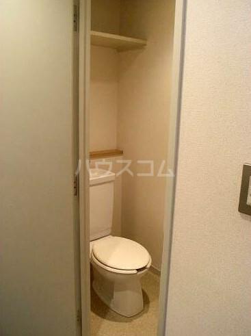 ロイヤル銀喜マンション 403号室のトイレ