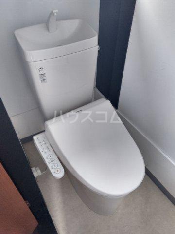 コーポ千代荘 E号室のトイレ
