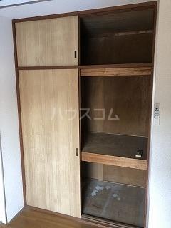 アパートK 1号室の収納