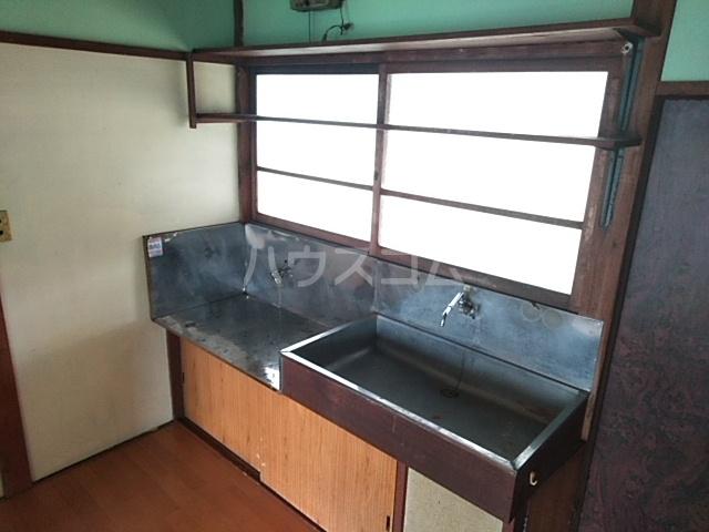 第一昭和荘 201号室のキッチン