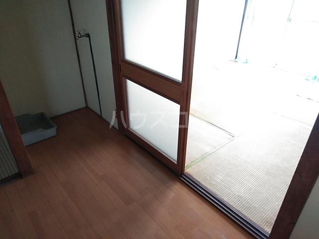 第一昭和荘 201号室のリビング