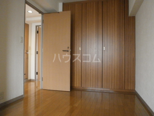第一飛翔ビル 7001号室の居室