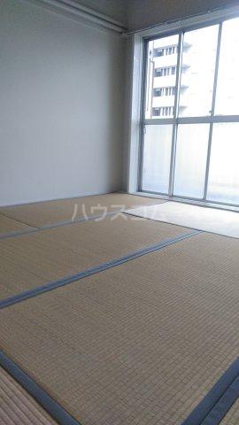 エントピア荻窪 1002号室の居室