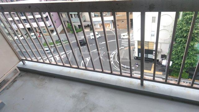 エントピア荻窪 1002号室のバルコニー