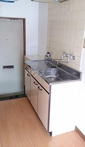 弥生コーポ 203号室のキッチン
