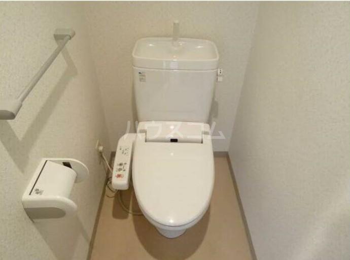 アキマンション 303号室のトイレ