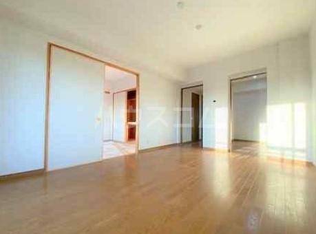 ディアホームズ鷺宮 303号室のリビング