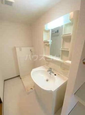 ディアホームズ鷺宮 303号室の洗面所