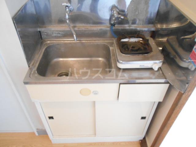 サンエイビルB 303号室のキッチン