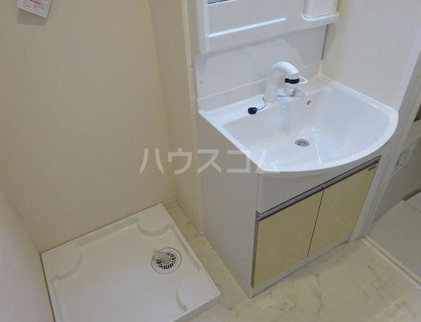 ラ・ルミエール 102号室の洗面所