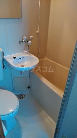 メゾンOSABE 205号室の風呂