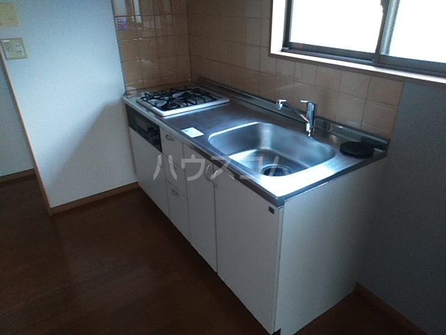コーポアルセ 101号室のキッチン