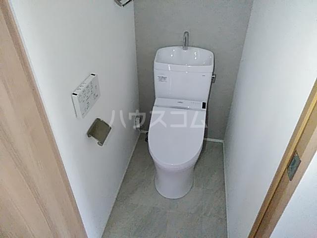 ラ・ファヴォール 203号室のトイレ
