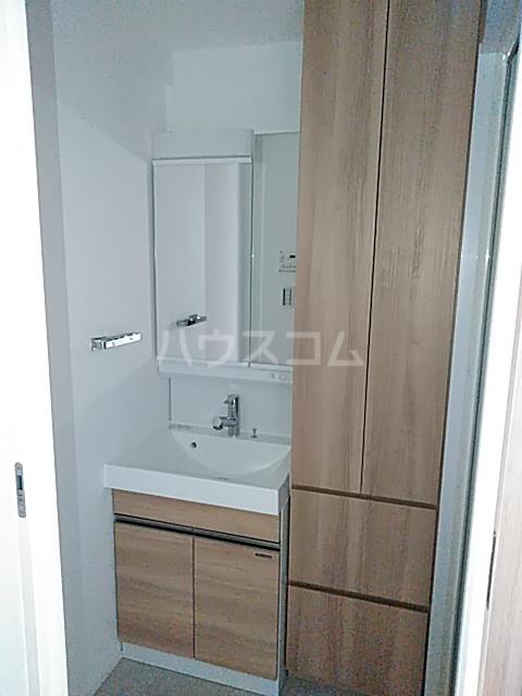 ラ・ファヴォール 203号室の洗面所