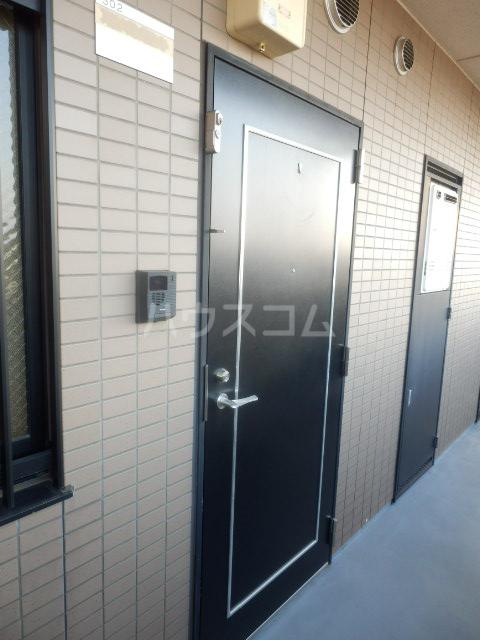 大島マンション1 203号室のエントランス
