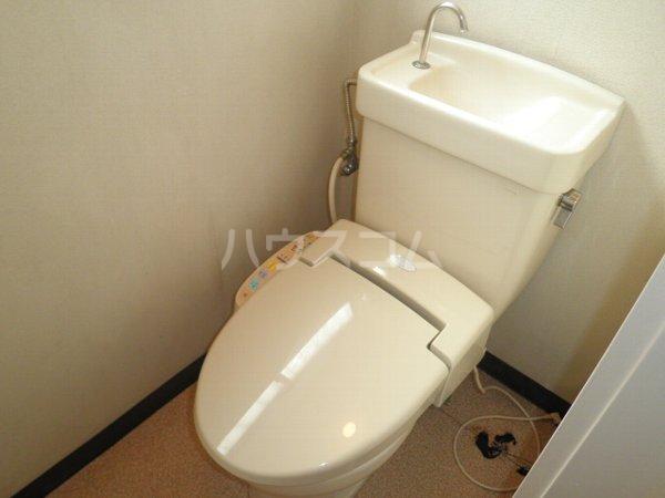 石井ハイツA 101号室のトイレ