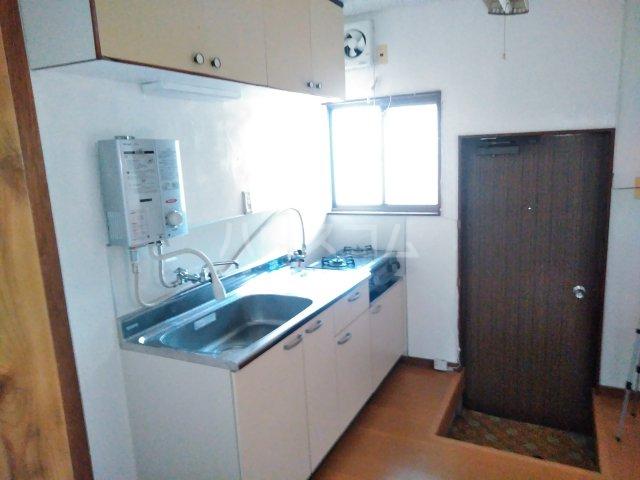 第2コーポ森口 101号室のキッチン