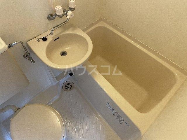 リバイスワン 13号室の風呂