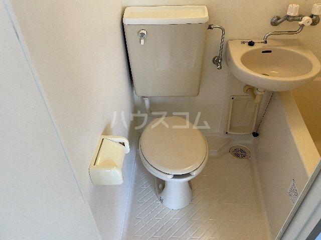 リバイスワン 13号室のトイレ