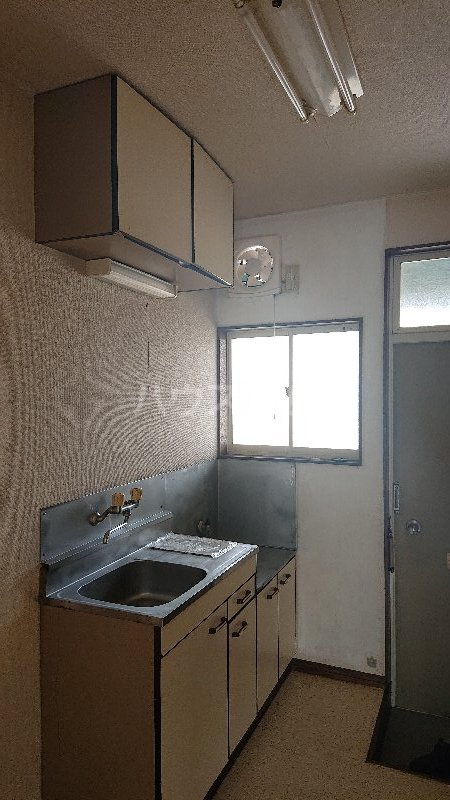 レジデンス山崎Ⅱ 205号室のキッチン