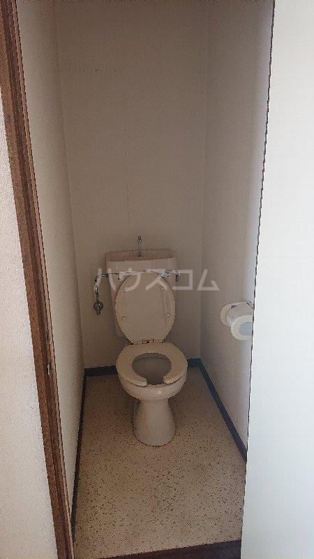 レジデンス山崎Ⅱ 205号室のトイレ