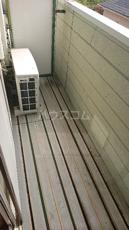 レジデンス山崎Ⅱ 205号室のバルコニー