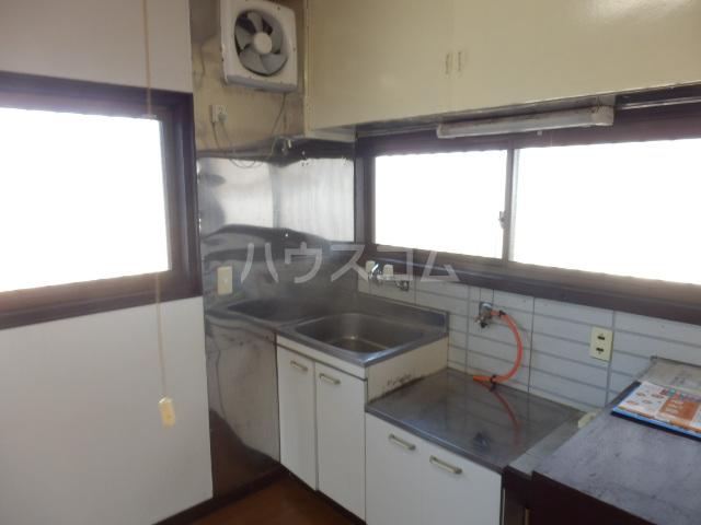 小滝アパート 3号室のキッチン