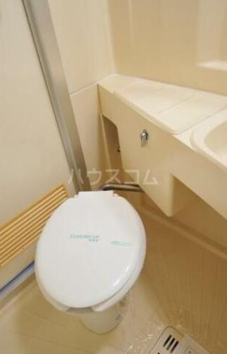 メゾン・ド・荻窪 103号室のトイレ